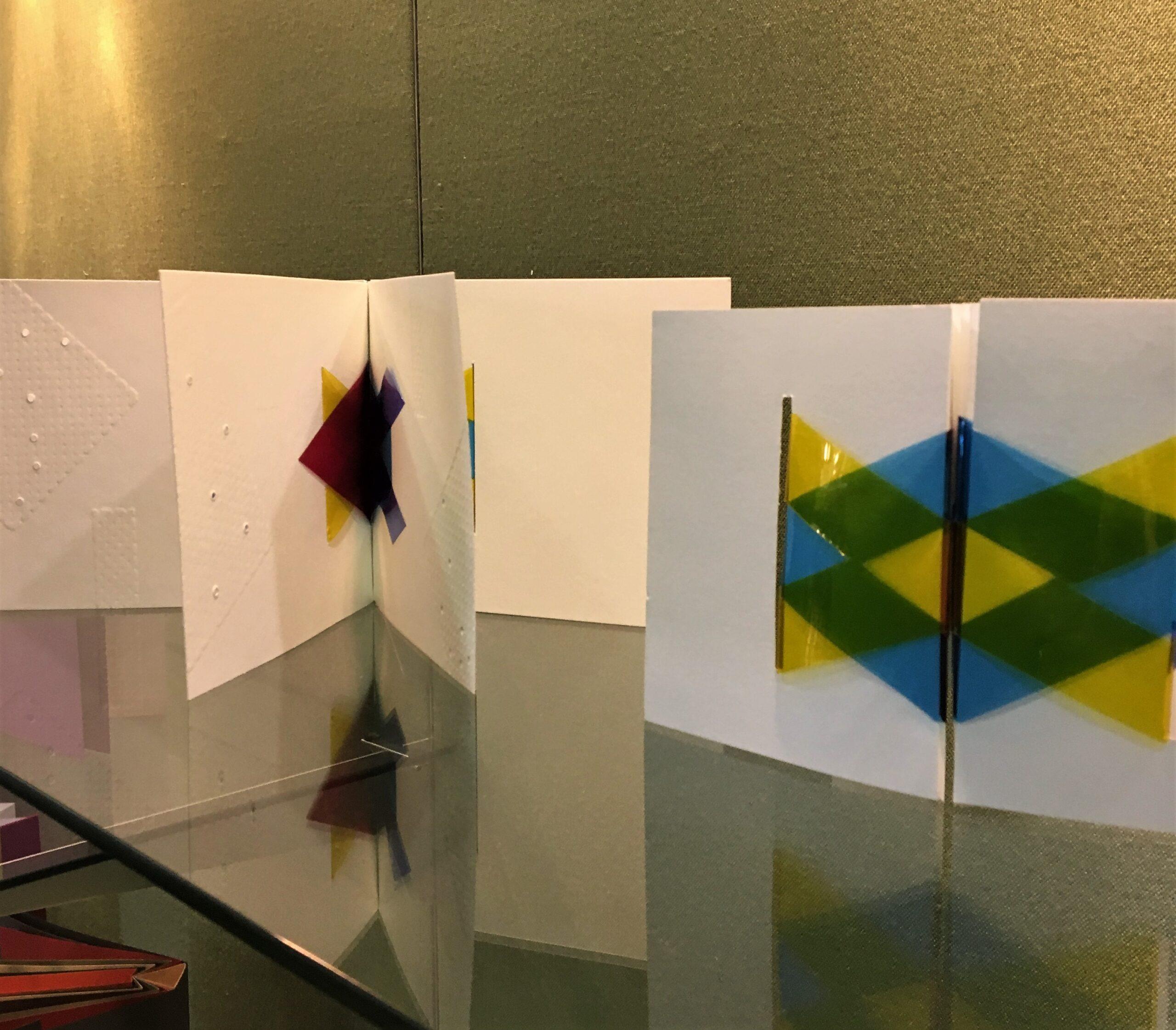 Encuadernación básica y sin adhesivo en la 2º planta
